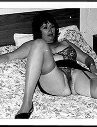 mature retro ladies sex gif