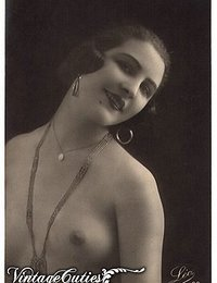 Vintage French Postcards Picturing The Most Beautiful Nudes